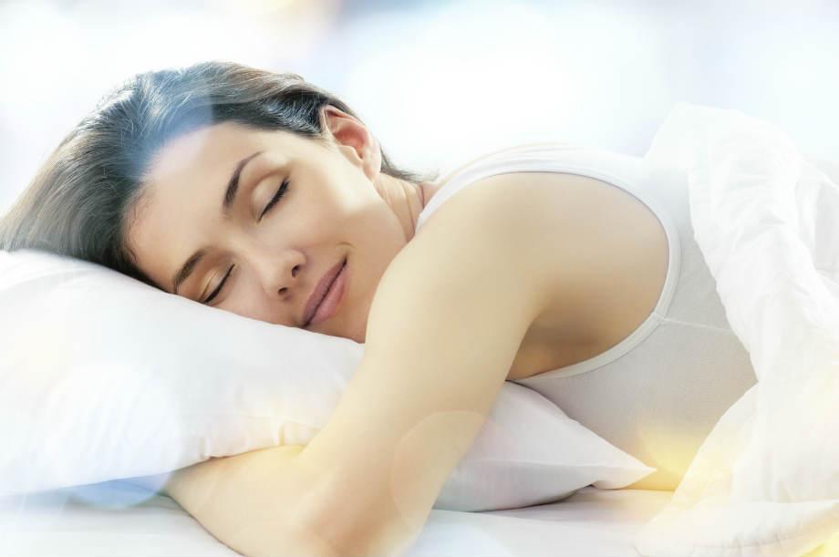 Melatonin, sleeping woman, LOSE WEIGHT FAST