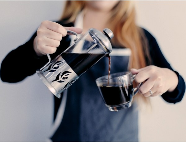 LOSE WEIGHT FAST: taking coffee